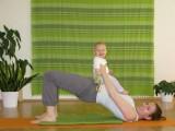 """YogaPortrait """"Seit meiner eigenen Schwangerschaft und meinen Übungen während der Rückbildung, ist mein Schwerpunkt ganz behutsam auf diese beiden Gebiete gewechselt"""", so Yogalehrerin Katharina Rainer-Trawöger, Wien"""