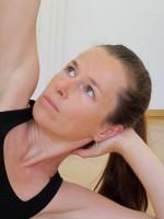 Yogaportrait  Sabine Irawan | YogaGuide