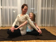 Charity Kinder-Yoga für große, kleine & innere Kinder | yogaguide