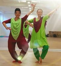 Indian Temple Dance Online Free trial lesson Bhakti Devi