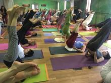 Frauen-Hormonyoga nach Dinah Rodrigues | yogaguide