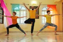 Yogalehrer aus Indien | YTTC 200, Yoga Retreat | Yoga Guide