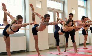 Bikram Yoga Schottenring feiert 30 Tage für 30 Euro | Yoga Guide