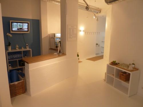 hot yoga vienna es wird hei im 6 wiener bezirk yoga. Black Bedroom Furniture Sets. Home Design Ideas