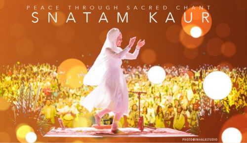 Snatam Kaur in concert BUdapest Foto Inhalastudio | yoga music guide