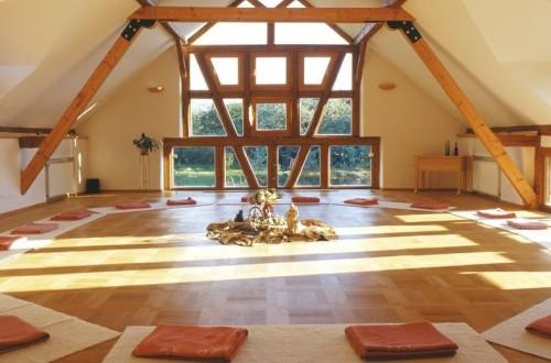 Yogaraum Gestalten symposium psychologie guide